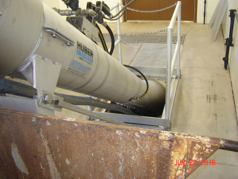 Huber fine screen in influent wastewater channel